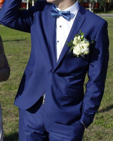 Мужские костюмы коричневый и синий р.48 рост 182-188 одеты 1 раз