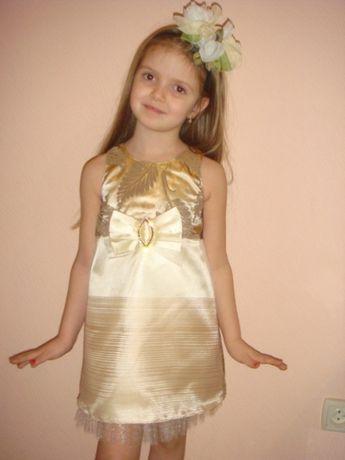 Милое нарядное платье на праздник рост 116