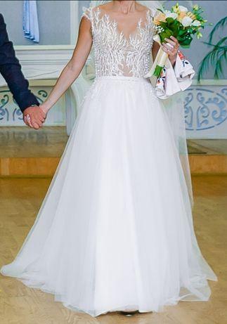 Свадебное платье Цену снижено! Очень красивое свадебное платье.