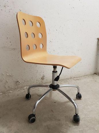 Krzeslo obrotowe drewniane Black Red White