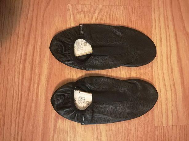 Sapatilhas de ginástica pretas, nº 37