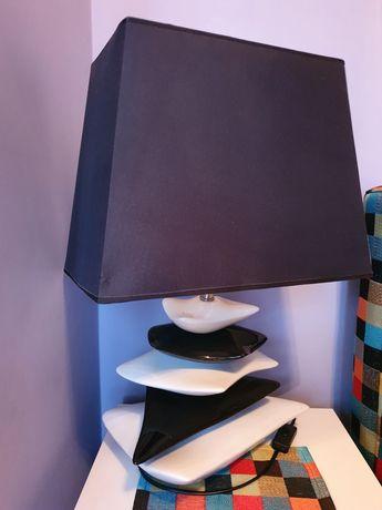 Lampkę stołową sprzedam