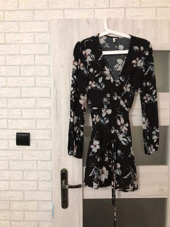 Sukienka wiązana w kwiaty nly trend Nelly 36 s czarna sukienka