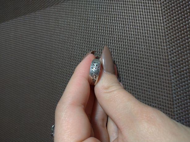 Кольцо серебряное, красивое