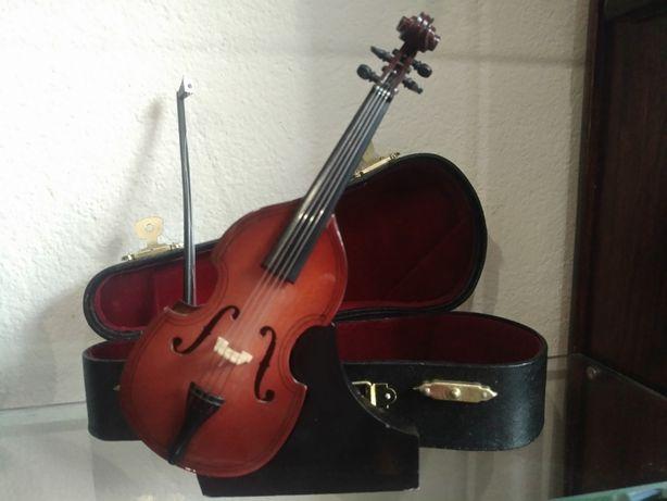 Miniatura de instrumentos musicais