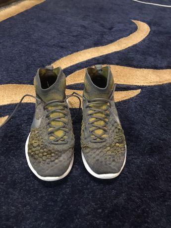 Кроссовки (Nike)