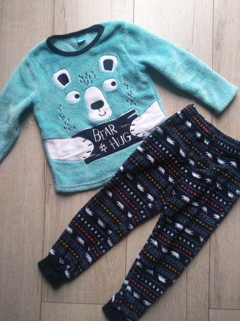 Ciepła piżamka dla chłopca rozmiar 98/104