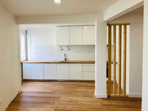 Apartamento T1 renovado, no Centro de Carnaxide