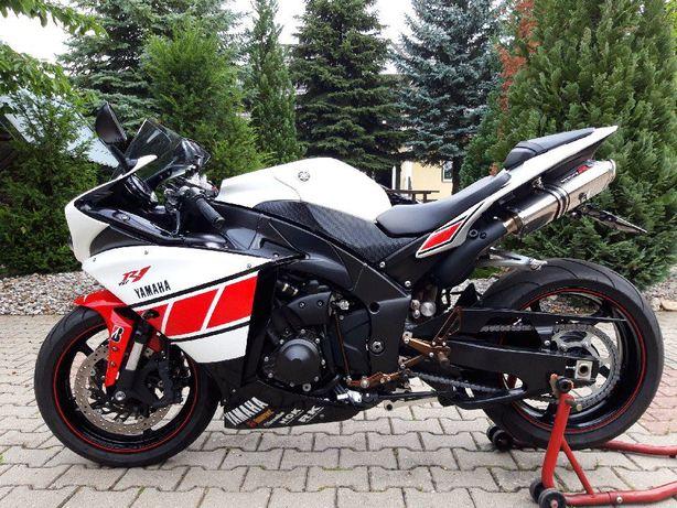 Motocykl Yamaha r1 rn22