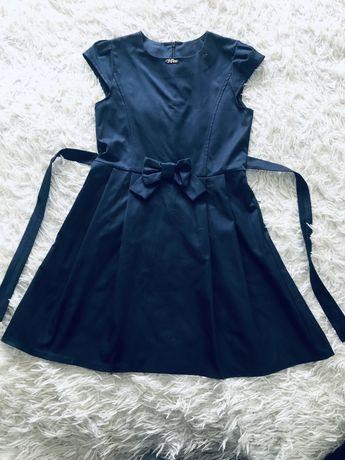 Школьное платье/сарафан р.140
