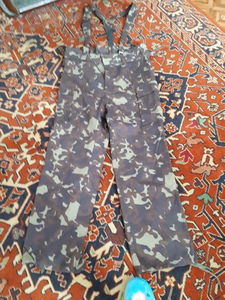 Новые комуфляжные брюки, размер 52-54, довжина 120см., за 150 грн.