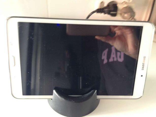 2 Suporte para tablet e telemóvel