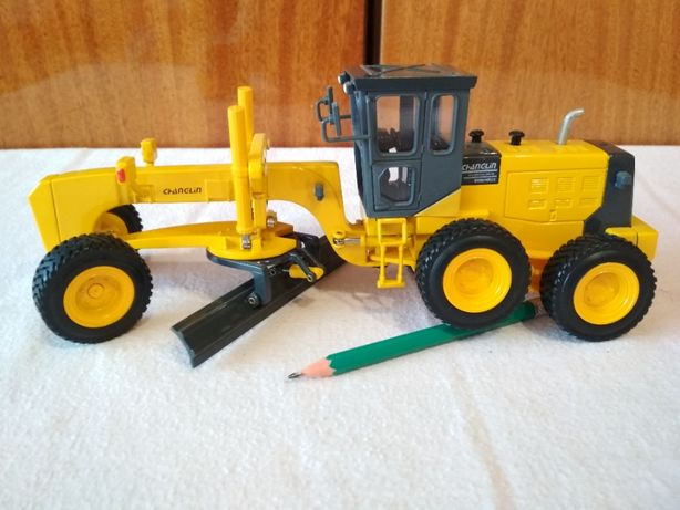 Модель Грейдер 1:35 Трактор МЕТАЛЛ