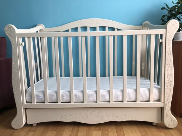 Срочно! Кроватка детская белая (слоновая кость)