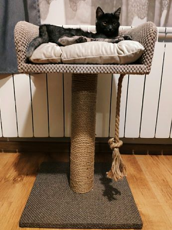 Drapak dla kota z legowiskiem
