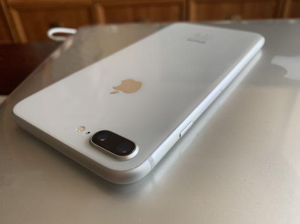 iPhone 8 Plus 64 GB Silver Ubezpieczenie do 10.2021