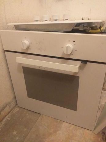 Placa gás forno eléctrico ikea. 1 ano de uso sem marcas de utilização