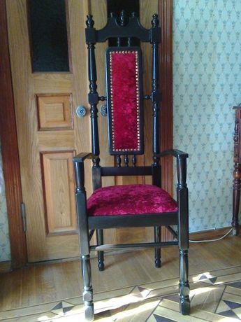 Кресло-стул-трон (старинный, антикварный)