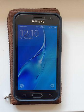 Samsung Самсунг j1 j120 смартфон