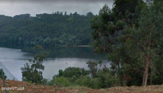 Lote terreno em Jovim 1º Linha do Rio Douro (junto à Quinta das Luzes)