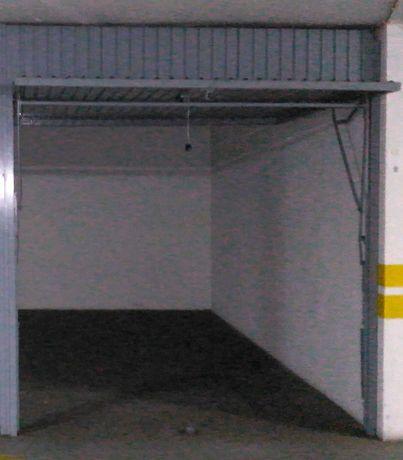 Garagem Box perto metro de Odivelas