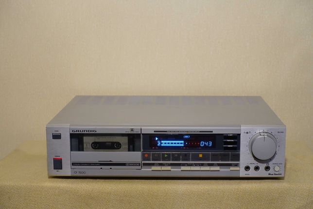 Топовая кассетная HI-FI дека 80-х GRUNDIG CF-7500 (3 головки/3 мотора)