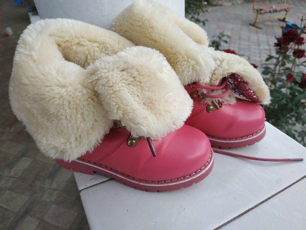 Продам сапожки, ботинки зимние 28 размер, розового цвета