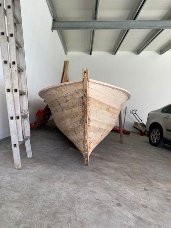 Barco madeira restaurado
