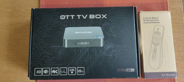 Smart TV Box + mysz bezprzewodowa.
