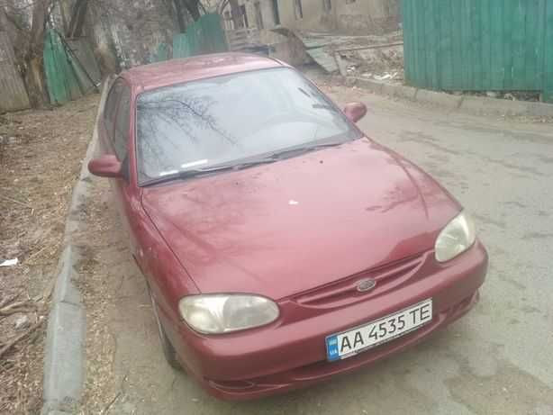 Kia sephia 2000год