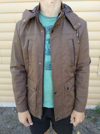 Осенняя куртка размер М
