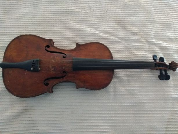 Stare skrzypce Antonius Stradivarius 1713 rok