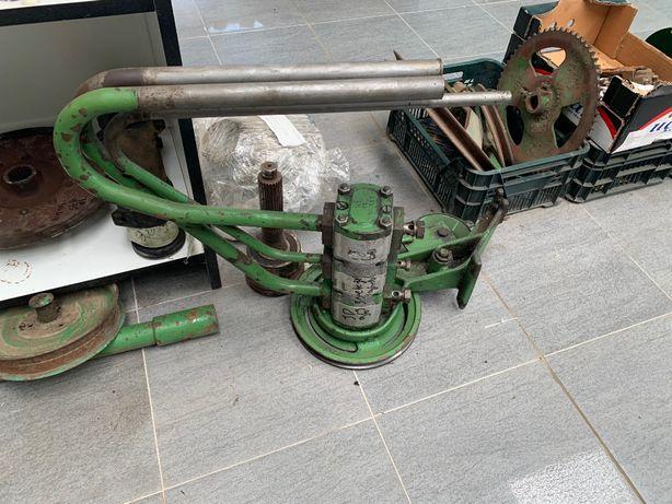 pompa hydrauliczna 3 sekcyjna John Deere 1085