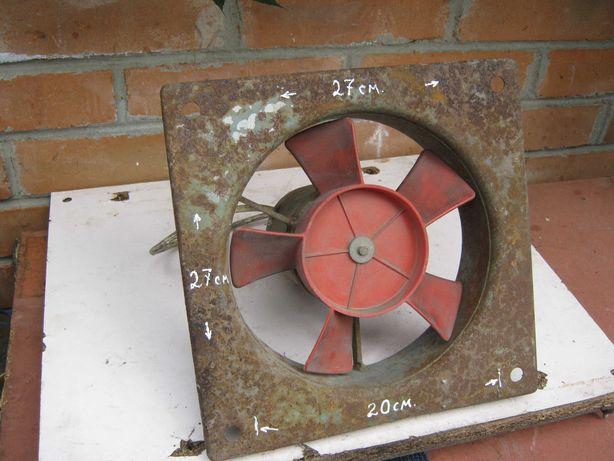 Вытяжка - вентилятор осевой на 24 вольта.
