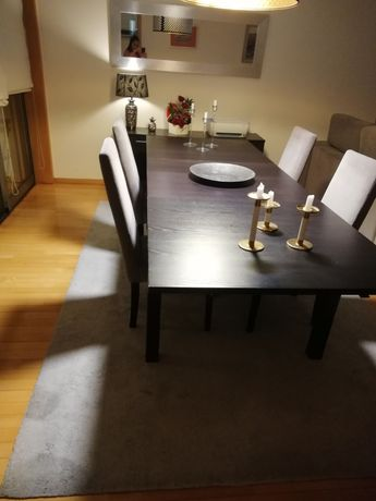 Mesa de jantar extensível  cadeiras incluídas