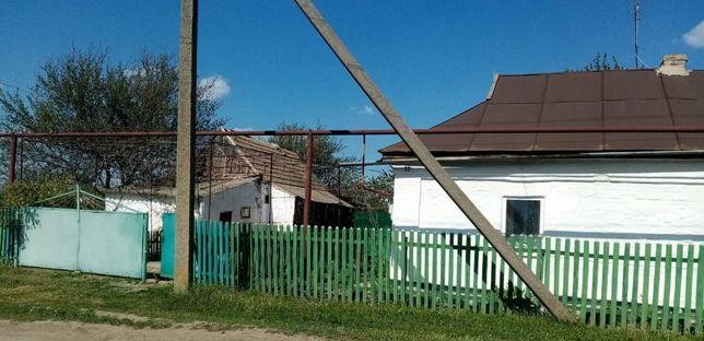 Продается хата в п. Казанка, Николаевской обл.(возле автостанции)
