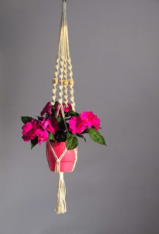 kwietnik wiszący ze sznurka bawełnianego