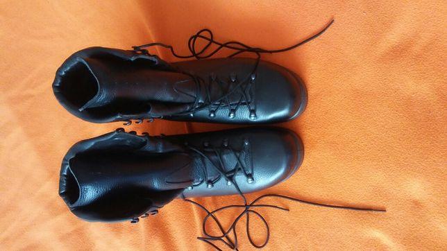 Buty wojskowe r 45