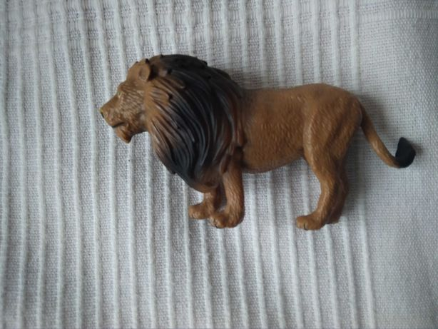 Lew figurka z Lidla