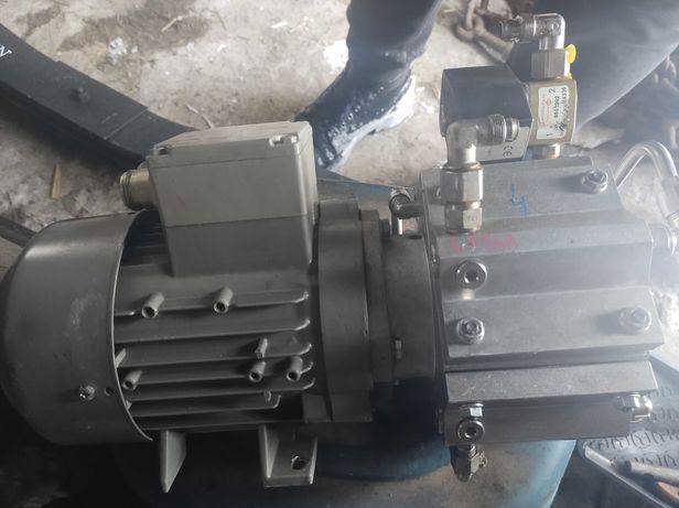 Pompa próżniowa Hyco Siemens 4 membranowa