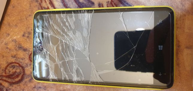 Nokia lumia 725       uszkodzona działa