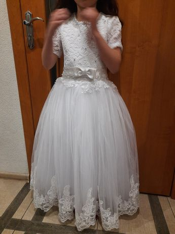 Плаття на дівчинку 8-9 років.