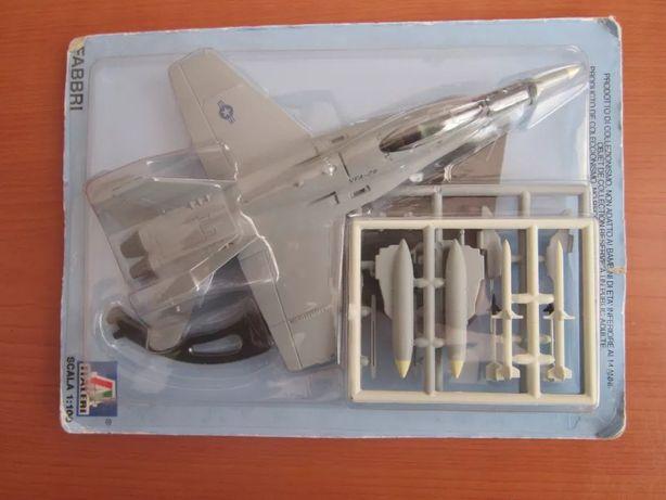 Avião Italeri - F/A - 18 HORNET 1: 100 - Metal - Novo