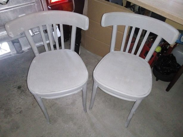 Dwa krzesła PRL gięte do renowacji