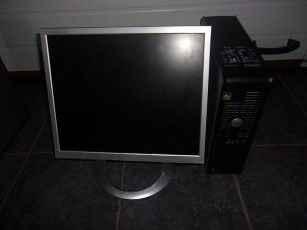 Komputery z monitorami