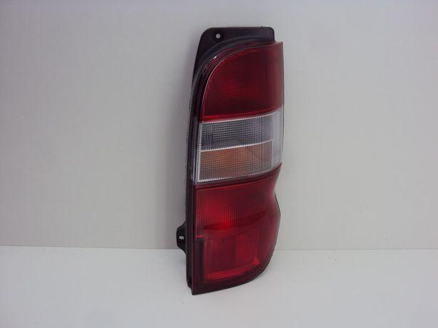 Toyota Hiace Granvia 95-06 фонарь задний