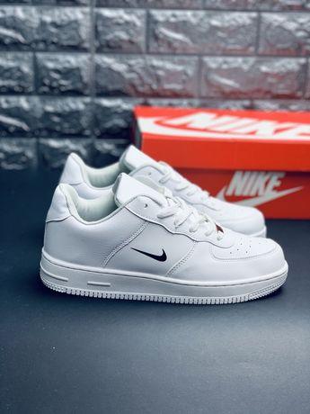 Кожаные ядовито белые кроссовки Nike air force 1 Найк эйр форс кеды