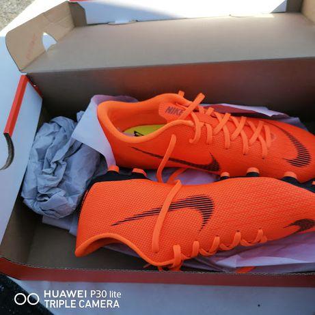 Nike VAPOR 12 academy rozmiar 37,5