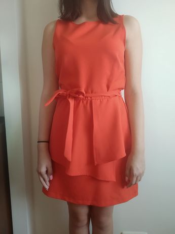 Czerwona sukienka M stradivarius