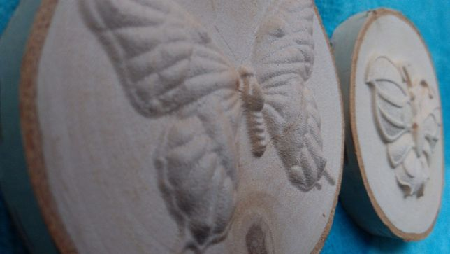 Motyl Płaskorzeźba Prezent Dzień Kobiet Święta Unikat Dekoracja Drewno
